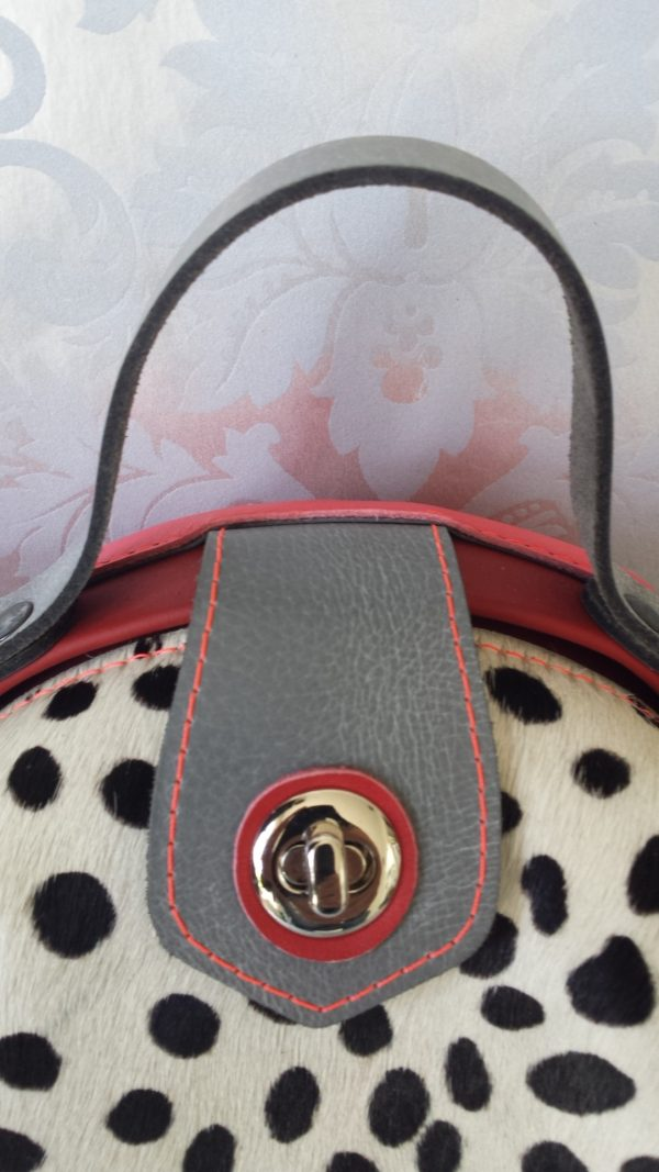 beugeltas rood cheetah print